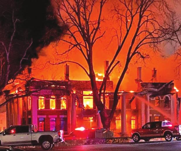 Historic Mason County Courthouse burns