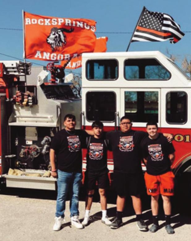 Enriquez and Mata bring home State Powerlifting medals