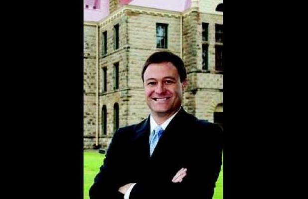 District Judge Rob Hofmann announces re-election plans