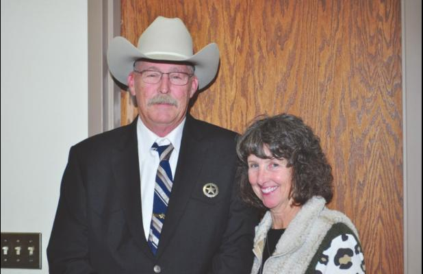Guthrie sworn in as Edwards County Sheriff